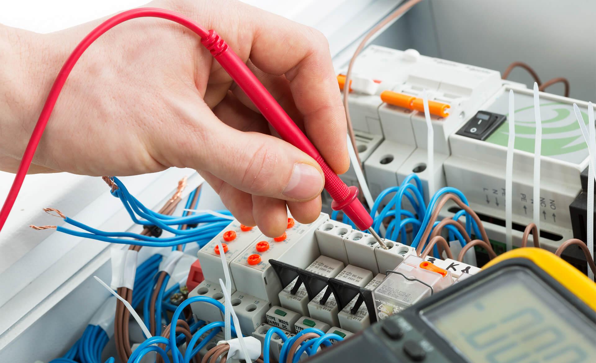 Dienstleistungskompetenz Akkordeon Messtechnik VDE